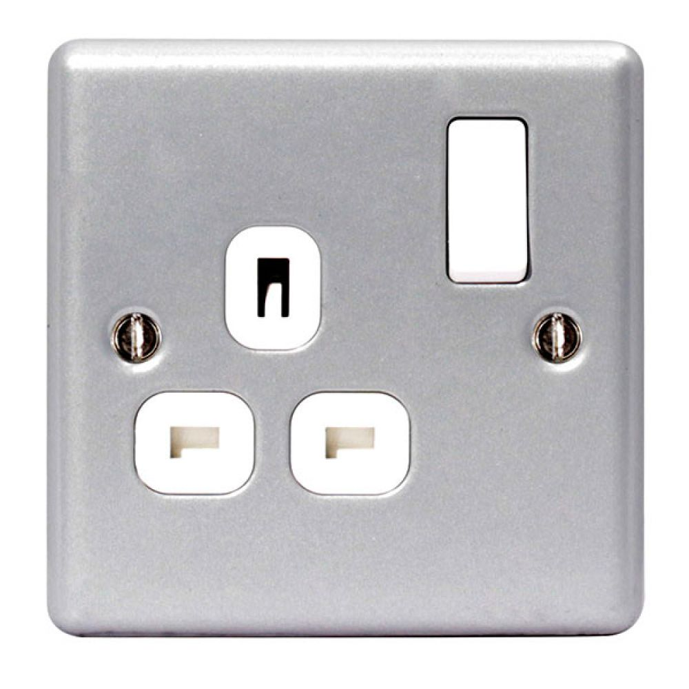 BG Metal Clad 1 Gang 13 Amp Switched Socket