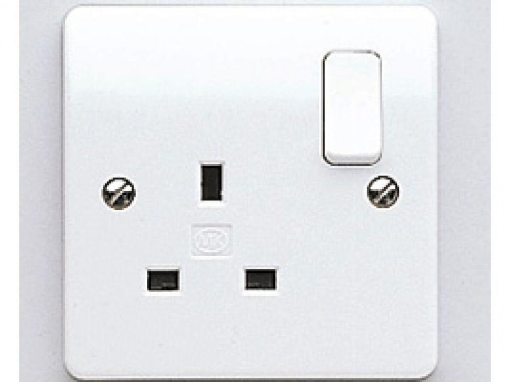 MK Logic Plus K2757WHI White 1 Gang DP Switchsocket 13A