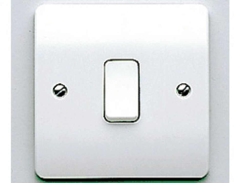 MK Logic Plus K4871WHI White 1 Gang 2 Way Plate Switch 10A
