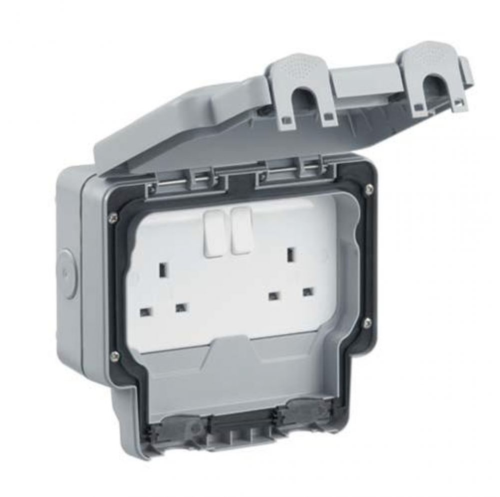 MK Masterseal K56482GRY 2 Gang DP Switched Socket IP56 13A In Grey