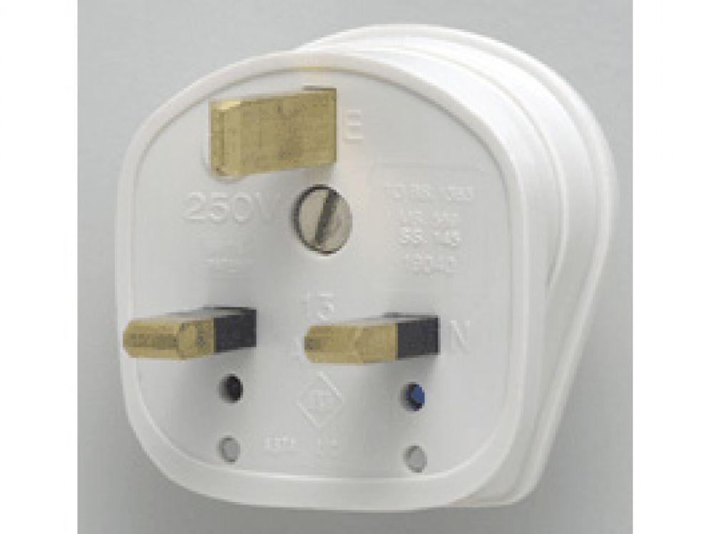 MK Plug Tops 646WHI White Fused Standard Plug 13A