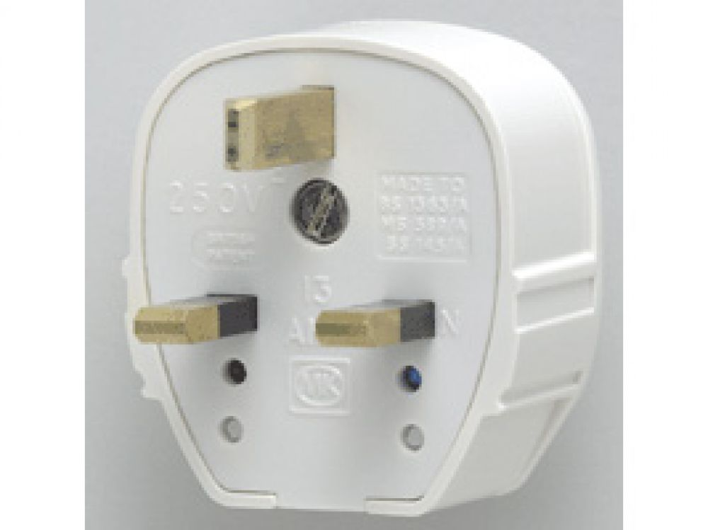 MK Plug Top 655WHI White Fused Tough Plug 13A
