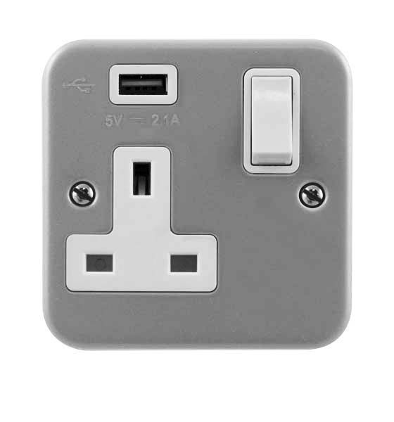 Scolmore Essentials 2 Gang Switched Socket with twin USB outlets